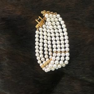 Jewelry - Pearl bracelet withhold tone clasp